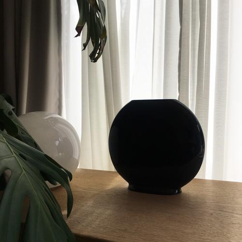 Black flat vase