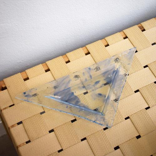 Triangled glass tray