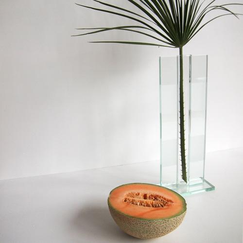 Glasvase med materede striber